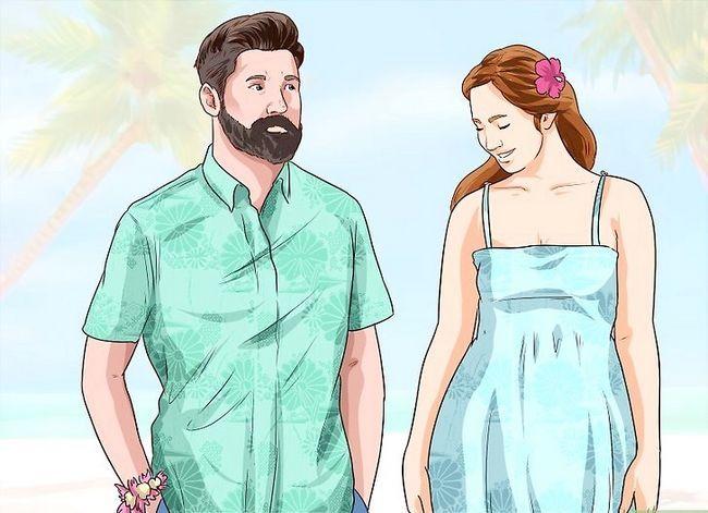 Titel afbeelding Throw a Hawaiian Wedding Reception Step 2