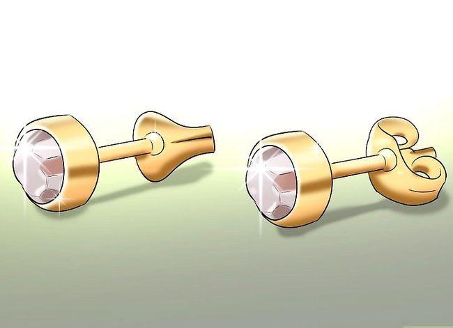 Titel afbeelding Enjoy Getting Your Ears Pierced Step 5