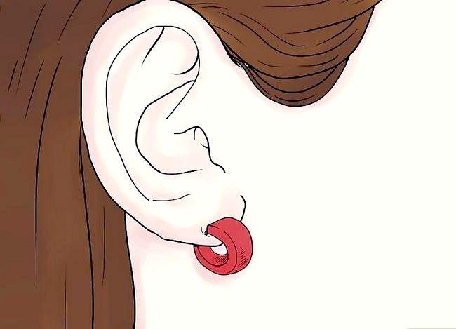 Titel afbeelding Get Your Ears Pierced Step 14