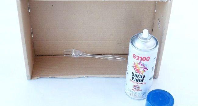 Titel afbeelding Spray Paint Plastic Step 9