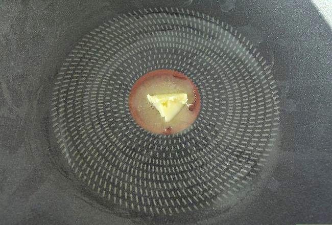 Titel afbeelding Make Scrambled Eggs Without Milk Step 5