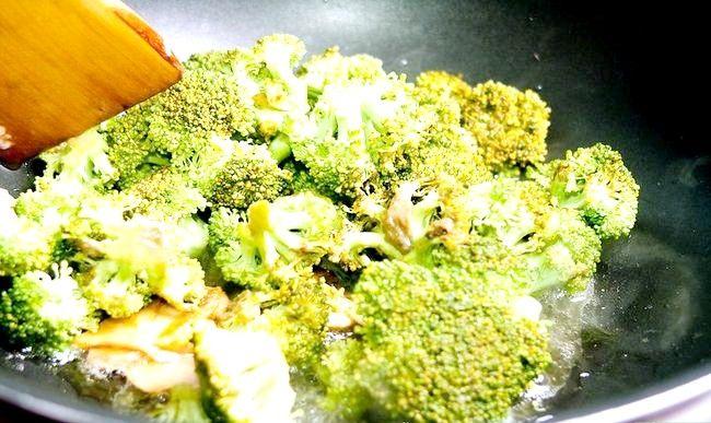 Titel afbeelding Make Stir Fried Chicken and Broccoli Step 5