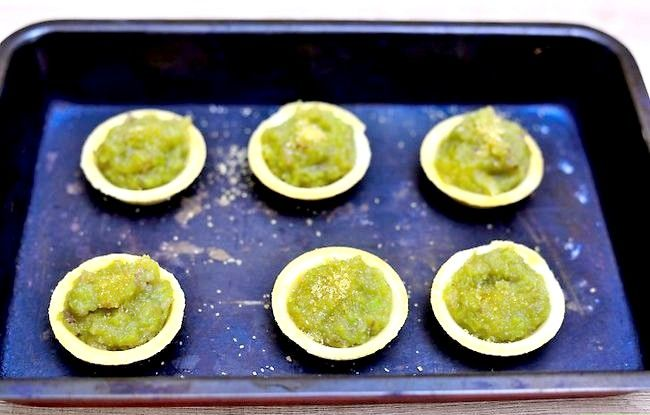 Titel afbeelding Make Sweet Rhubarb Compote Tarts Step 6
