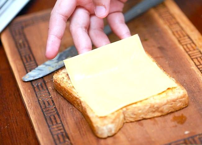 Titel afbeelding Make a Grilled Cheese Sandwich met een magnetron Stap 9