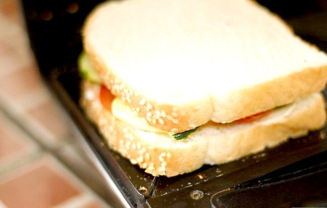 Titel afbeelding Make a Vegetable and Cheese Sandwich Step 6
