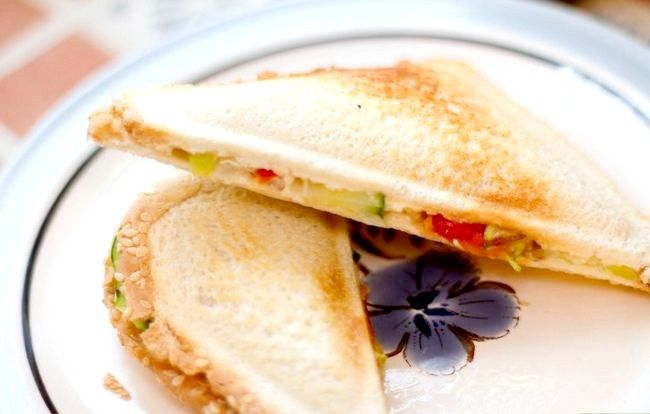 Titel afbeelding Make a Vegetable and Cheese Sandwich Intro