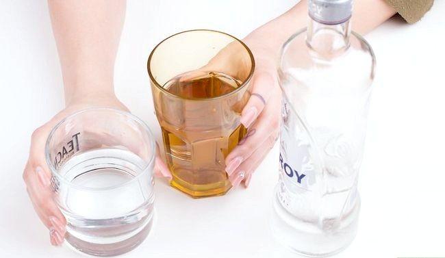 Titel afbeelding Make a Liquid Cocaine Shot Step 9