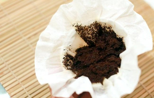 Titel afbeelding Recycle Coffee Grounds From Your Coffee Maker Stap 1