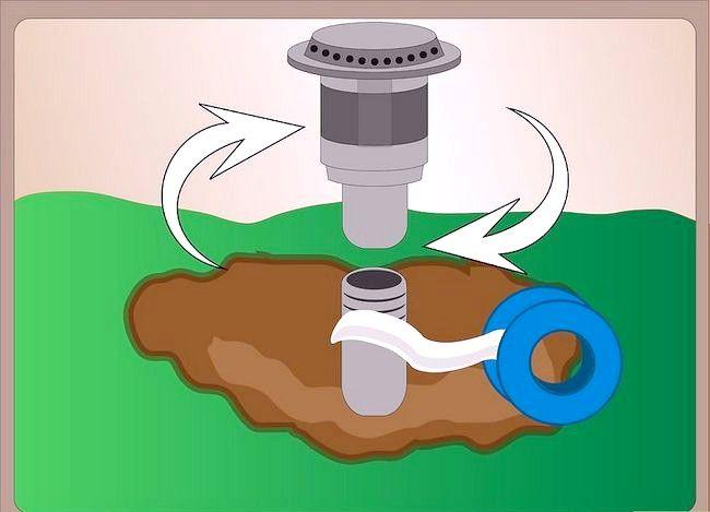 Titel afbeelding Repair a Pop up Sprinkler Head Step 6
