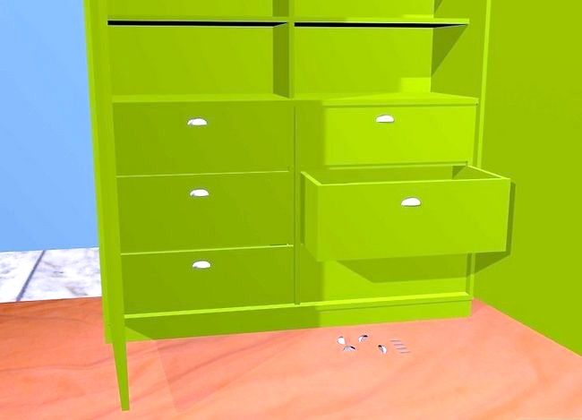Titel afbeelding Refinish Particle Board Cabinets Step 15