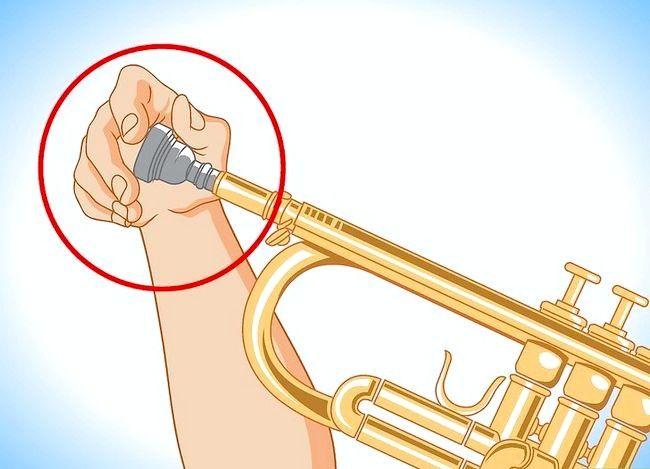 Hoe een vastzittend mondstuk op een blaasinstrument te verwijderen