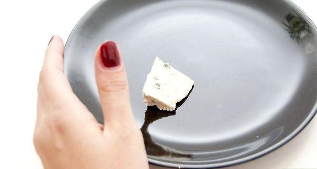 Hoe te weten of de blauwe kaas is verwend