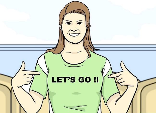 Titel afbeelding Be a Football Girlfriend Step 3