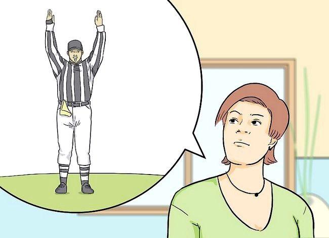 Titel afbeelding Be a Football Girlfriend Step 10