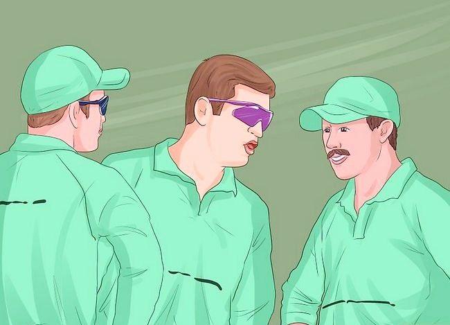 Titel afbeelding Captain a Cricket Team Step 8