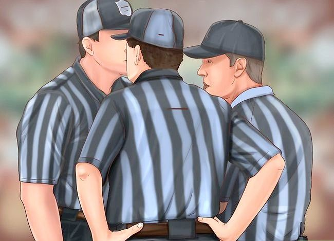 Titel afbeelding Become a Referee Step 8
