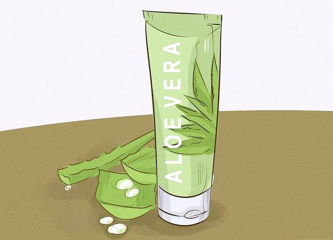 Titel afbeelding Treat a Sore Throat With Aloe Step 7