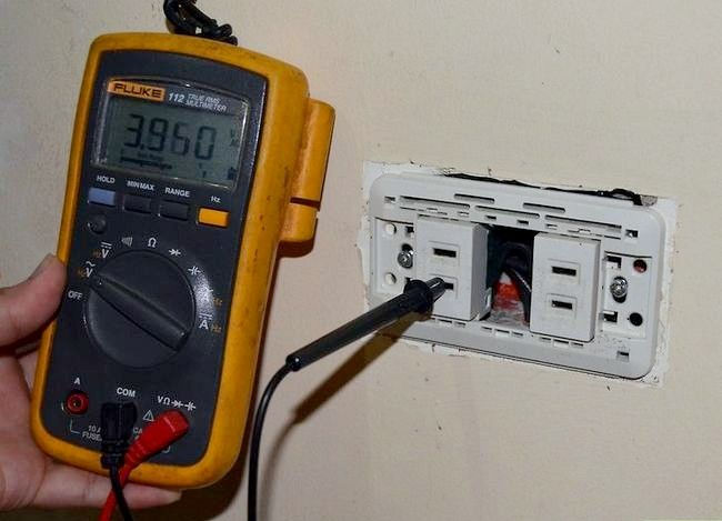 Titel afbeelding Use Voltage Testers Step 1