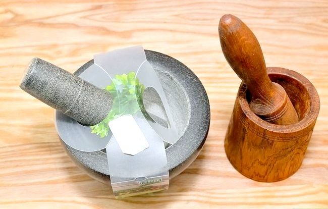 Titel afbeelding Use a Mortar and Pestle Step 1