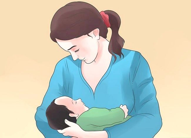 Titel afbeelding Use a Breastfeeding Nipple Shield Step 11